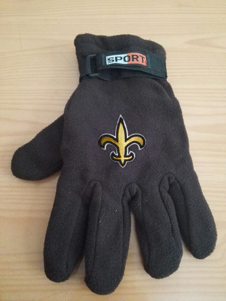 Saints Winter Velvet Warm Sports Gloves3