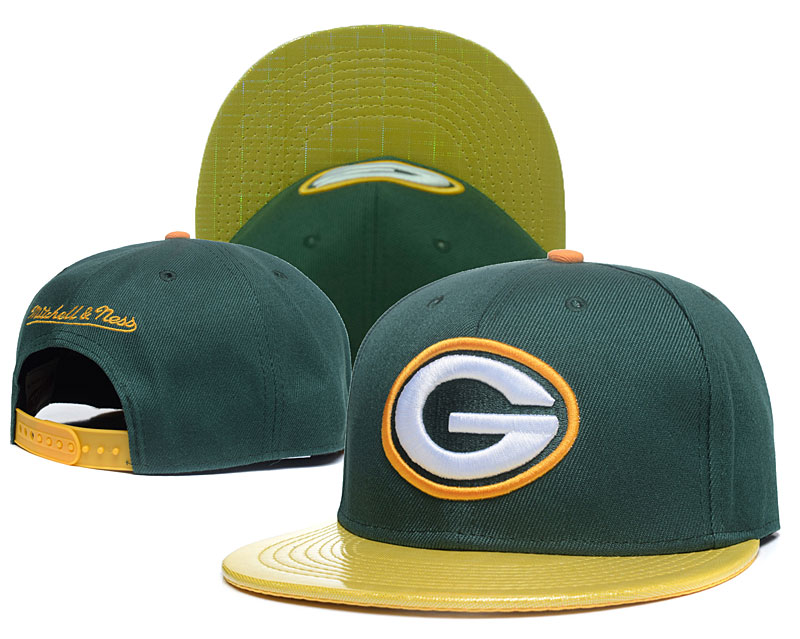 Packers Team Logo Green Mitchell & Ness Adjustable Hat GS2