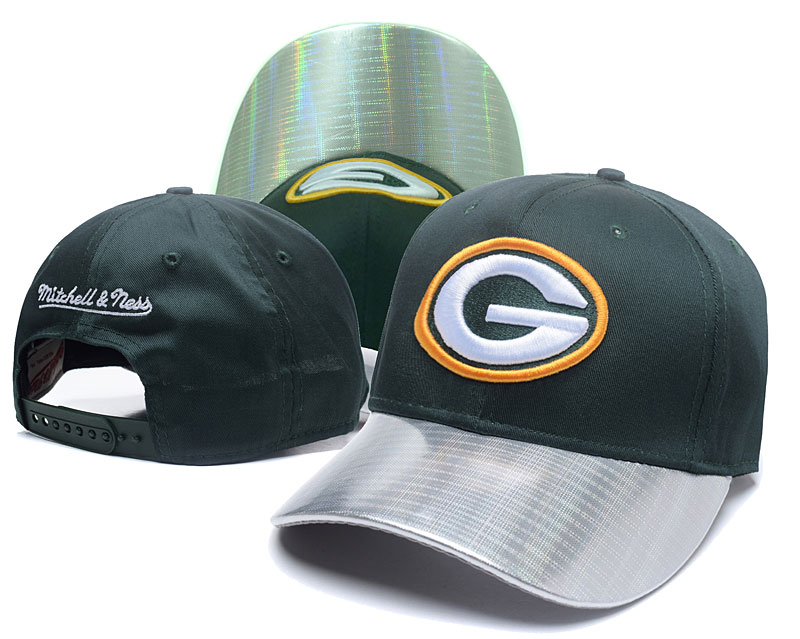 Packers Team Logo Green Mitchell & Ness Peaked Adjustable Hat GS