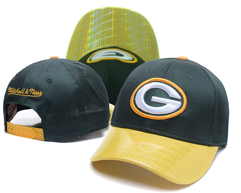 Packers Team Logo Green Mitchell & Ness Peaked Adjustable Hat GS2