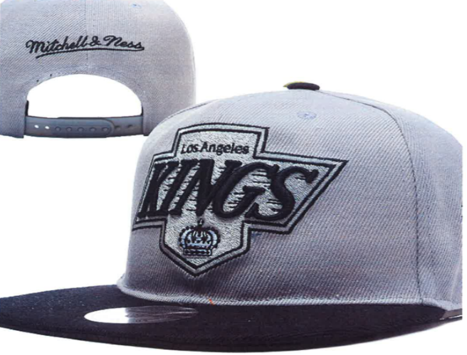 Los Angeles Kings Team Logo Gray Gray Mitchell & Ness Adjustable Hat YD