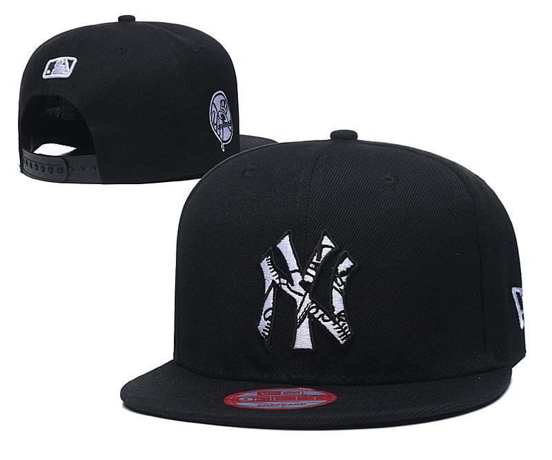 Yankees Team Logo Black Adjustable Hat LT