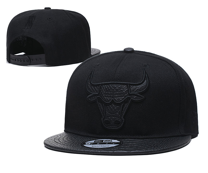 Bulls Team Logo Black Adjustable Hat TX