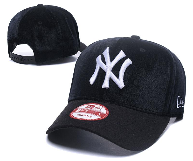 Yankees Team Logo Black Peaked Adjustable Hat GS