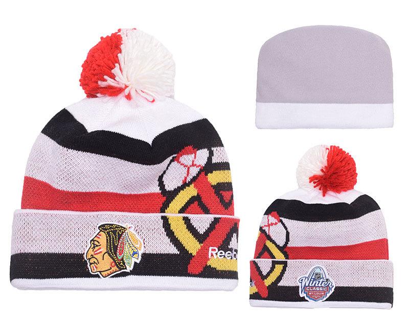 Blackhawks Team Logo White & Black Knit Hat YP2
