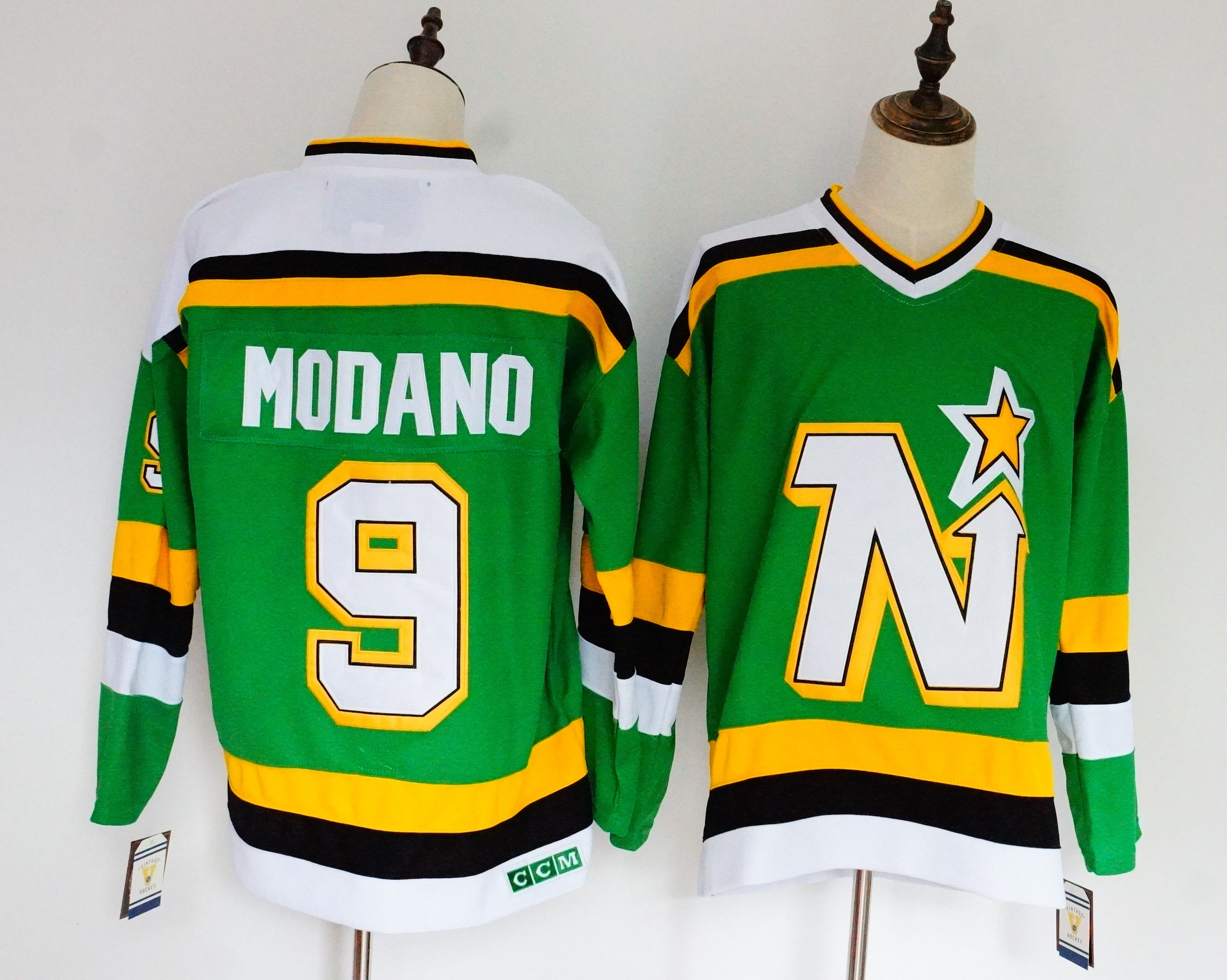 Stars 9 Mike Modano Green CCM Jersey