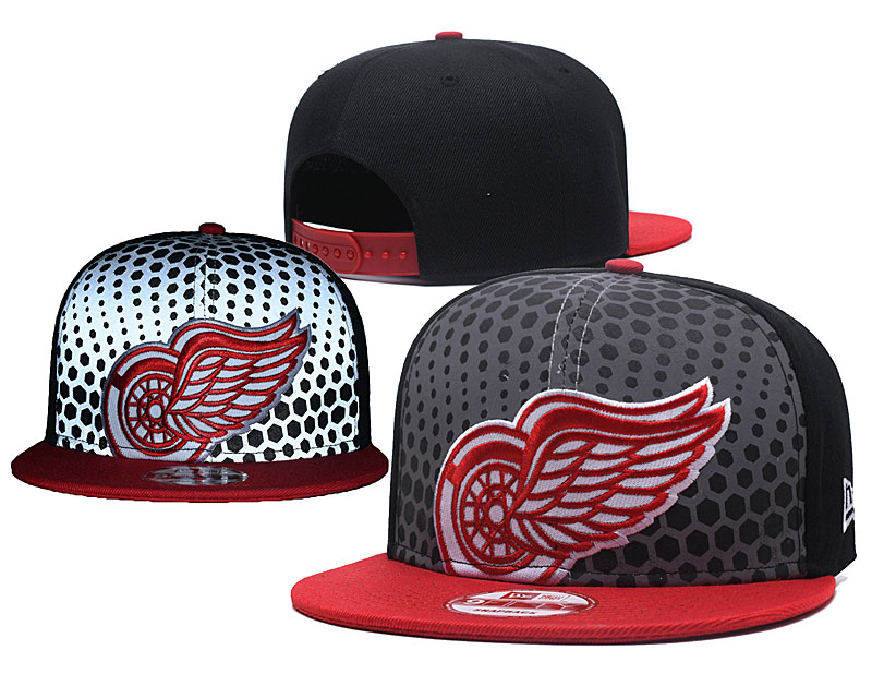 Red Wings Team Logo Black Adjustable Hat GS