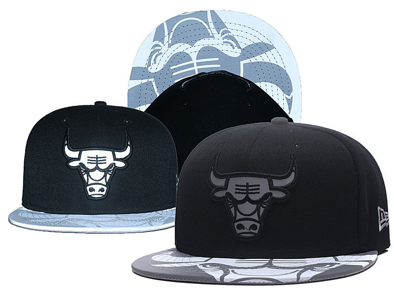 Bulls Reflective Logo Black Adjustable Hat GS