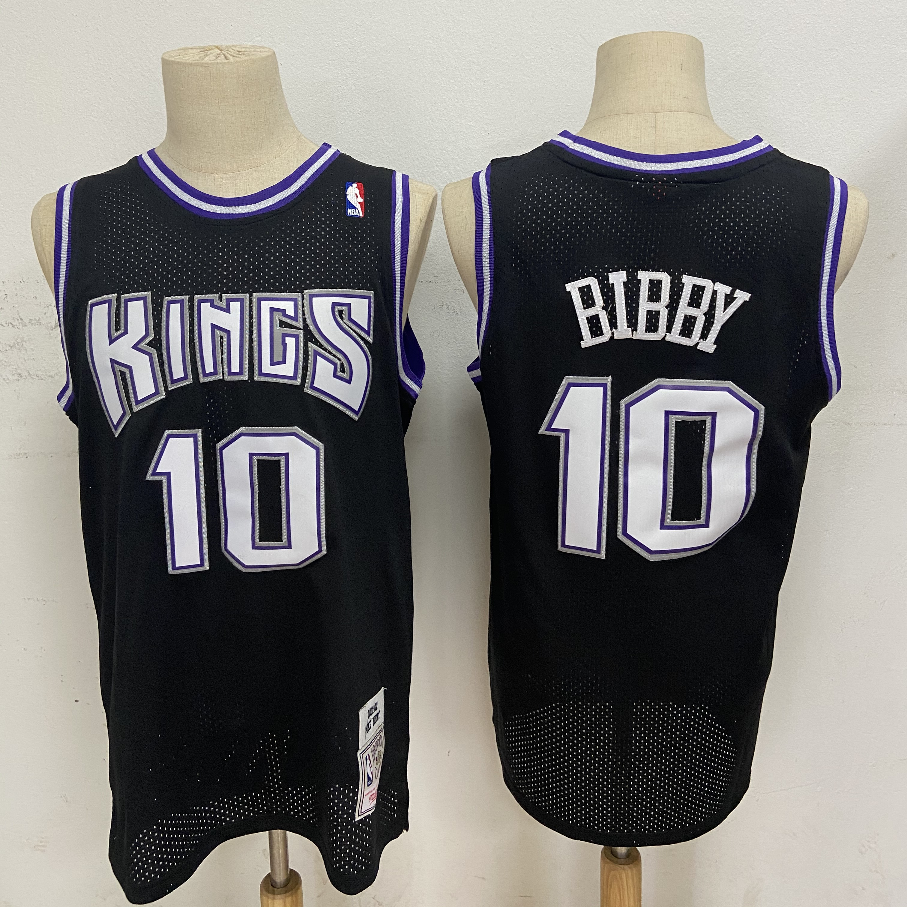Kings 10 Mike Bibby Black 2001-02 Hardwood Classics Jersey