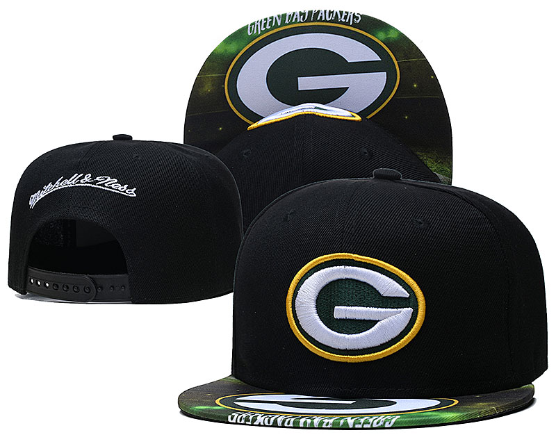 Packers Team Logo Black Mitchell & Ness Adjustable Hat LH