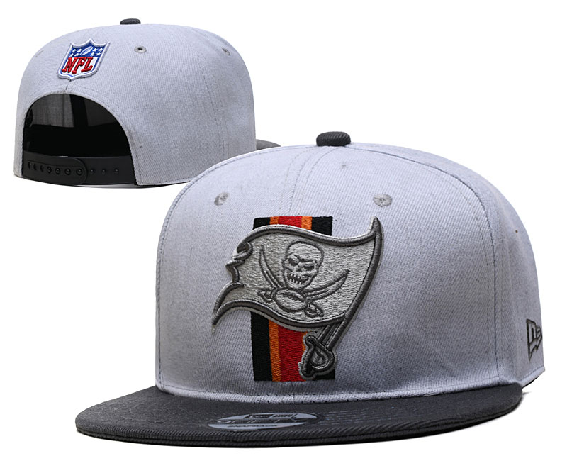 Buccaneers Team Logo Gray Adjustable Hat YD